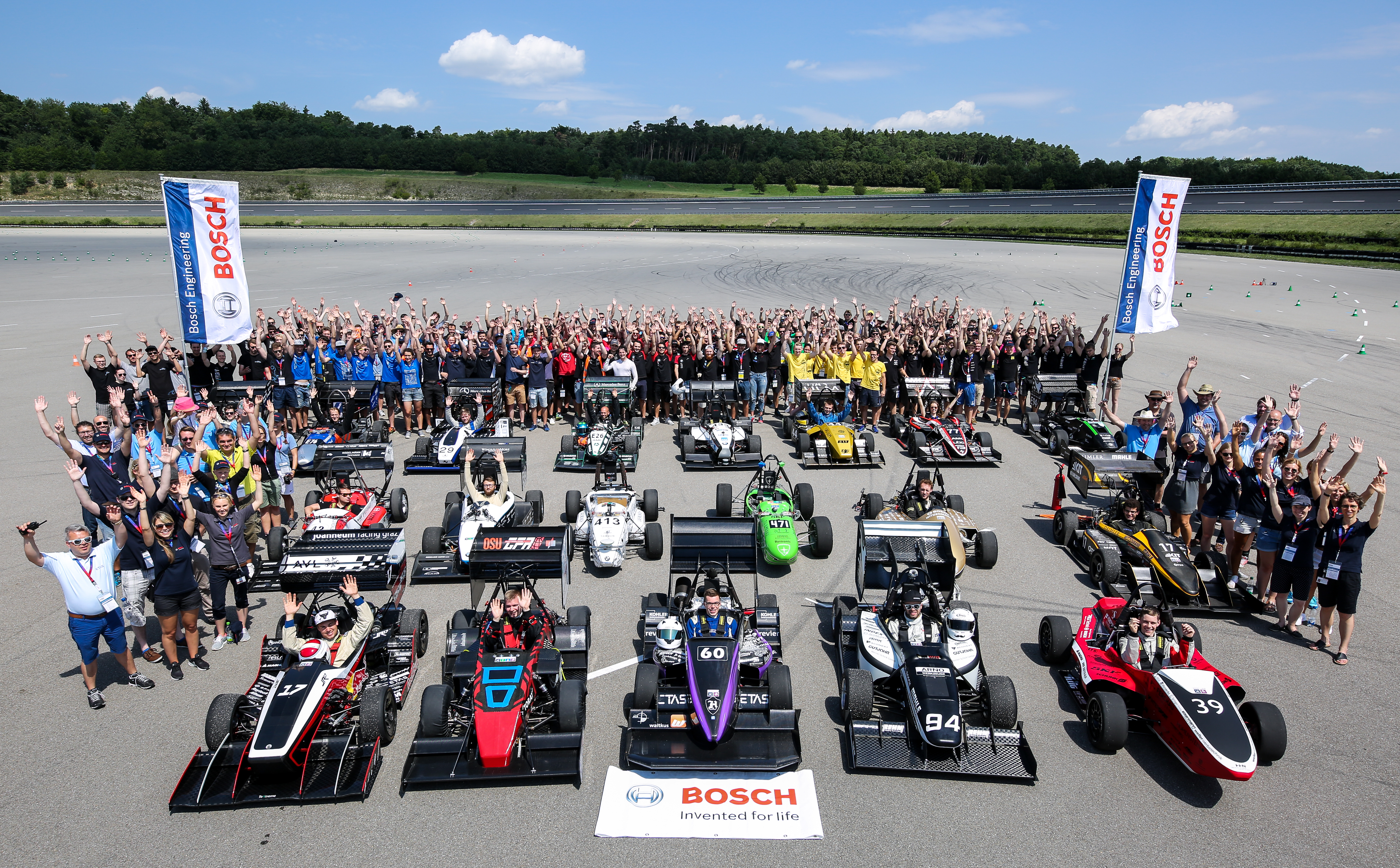 Students develop driverless race cars – with support from Bosch ...
