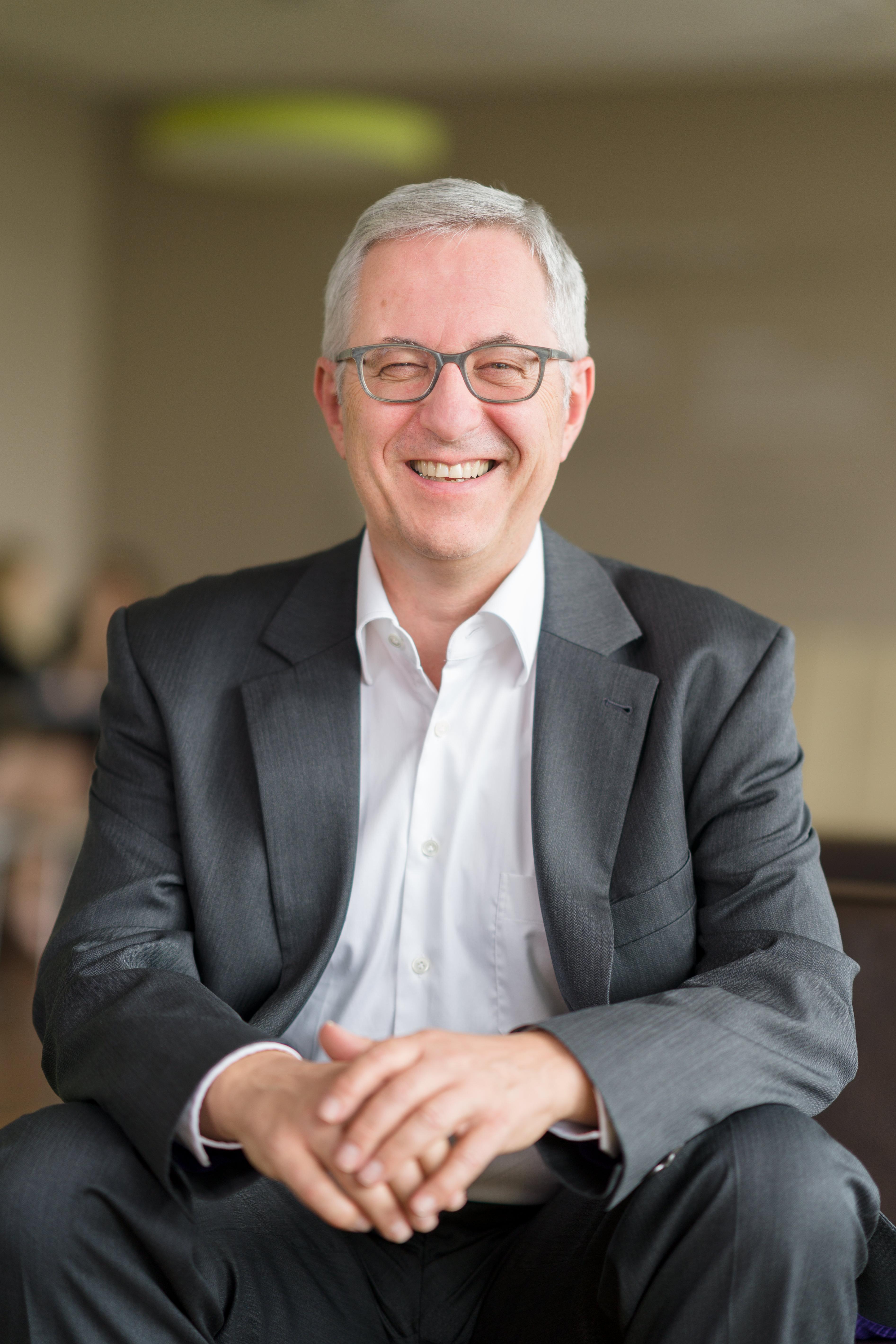 Dr. Rolf Bulander