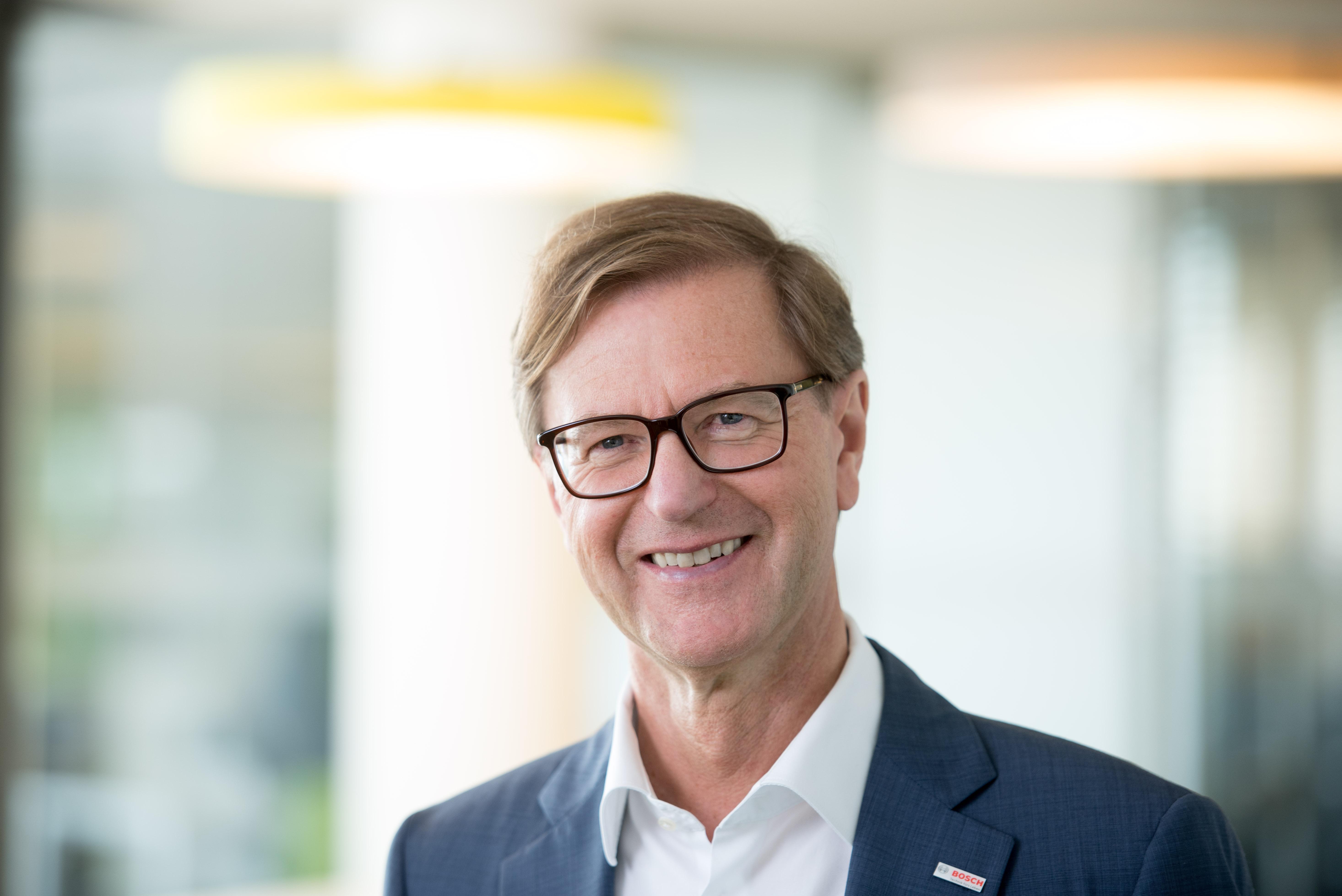 Professor Stefan Asenkerschbaumer