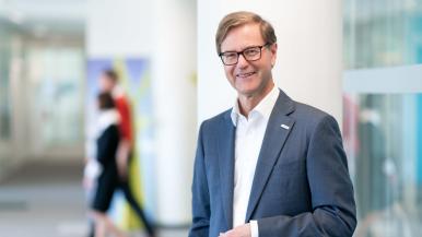 Professor Dr. rer. pol. Stefan Asenkerschbaumer