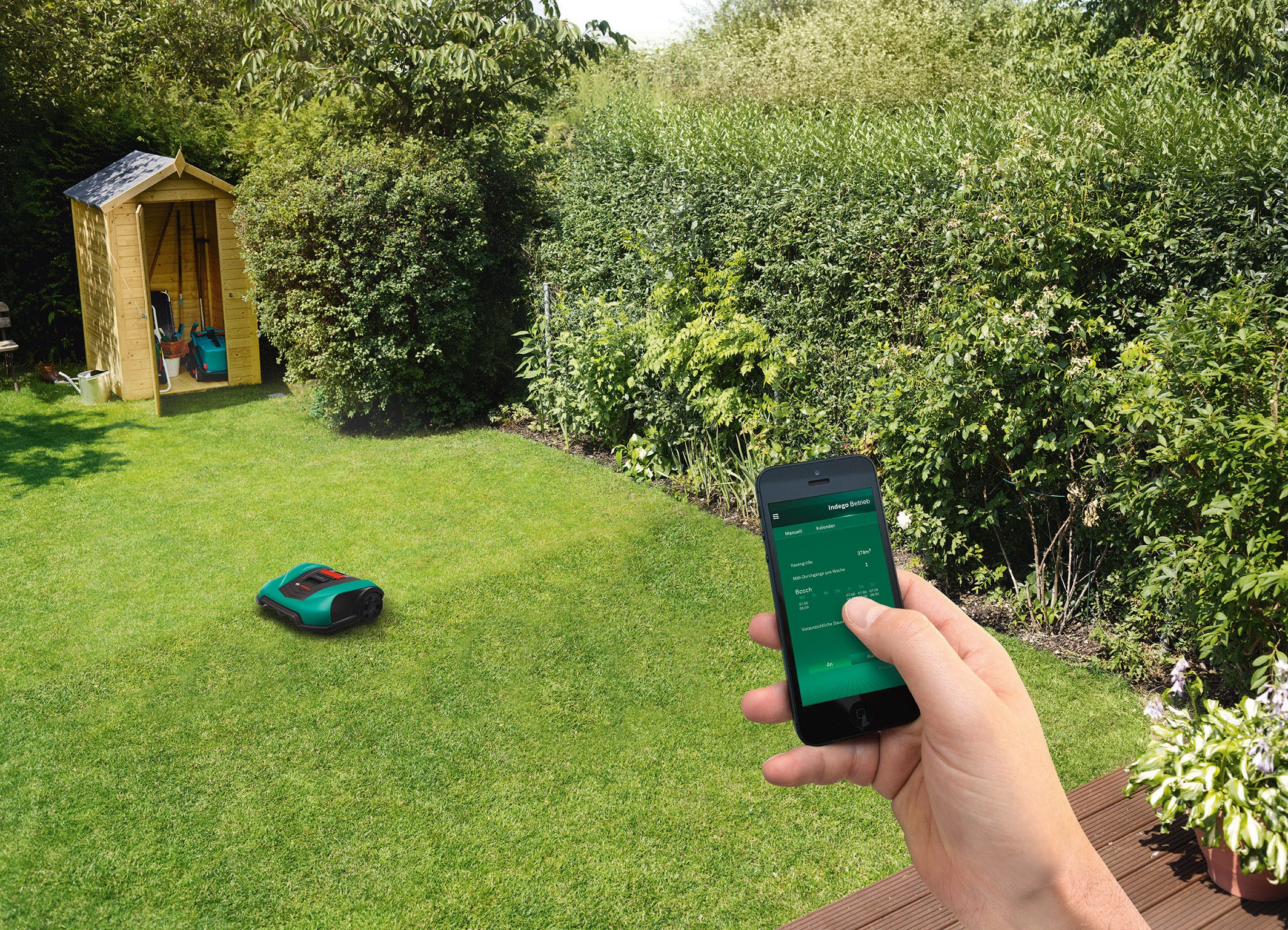 """Proven """"LogiCut"""" technology and """"Bosch Smart Gardening"""": Bosch Indego 400 und Indego 400 Connect"""
