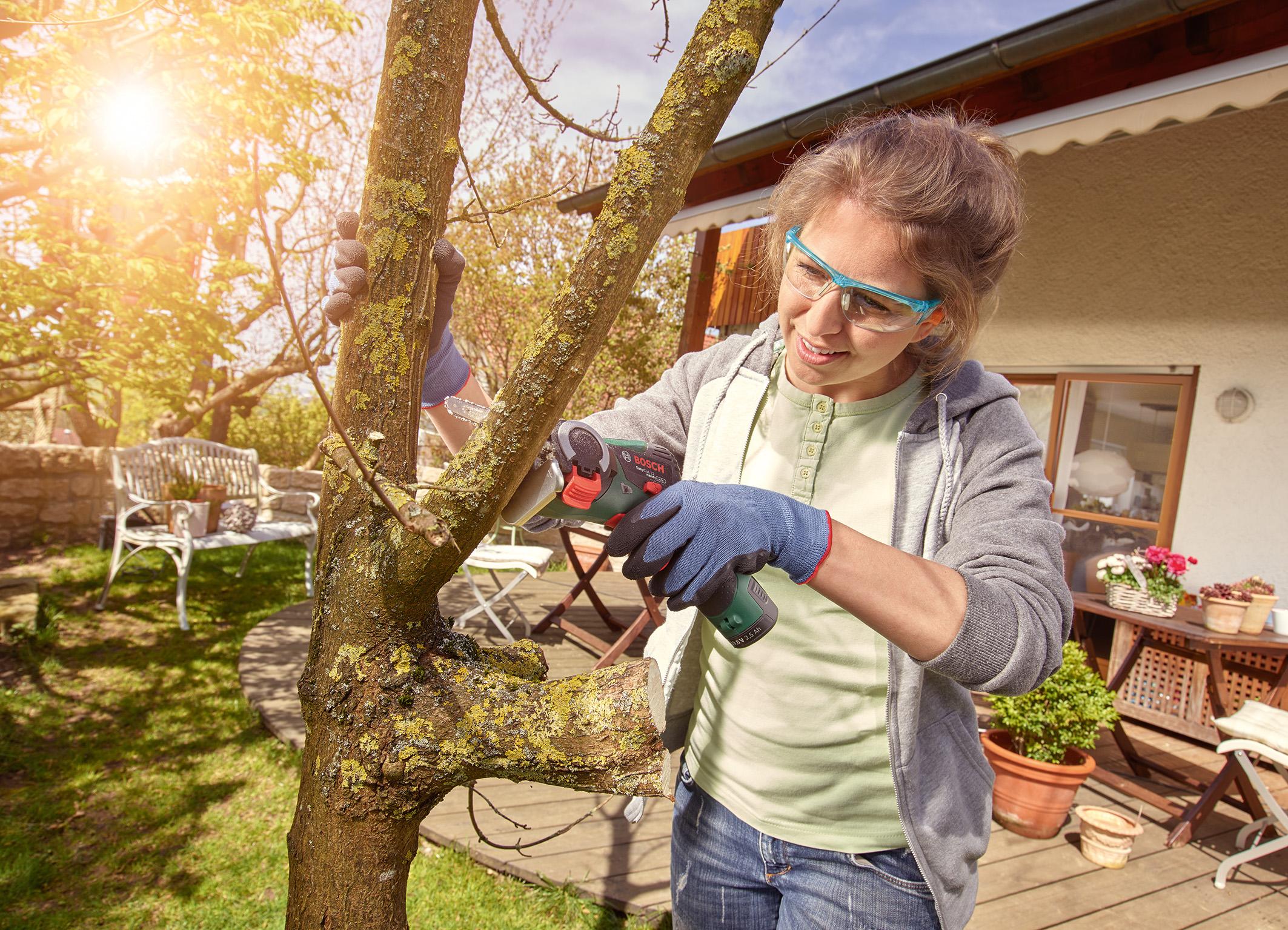 Bosch easycut 12 f r heim und garten bosch media service for Heim und garten