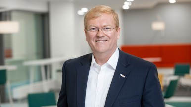 Dr. Stefan Hartung, Mitglied der Geschäftsführung der Robert Bosch GmbH und Vorsitzender des Unternehmensbereichs Mobility Solutions über Elektromobilität bei Bosch