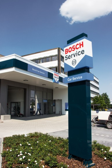 Heute ist Bosch Car Service das weltweit größte markenunabhängige Werkstatt-Netz ...