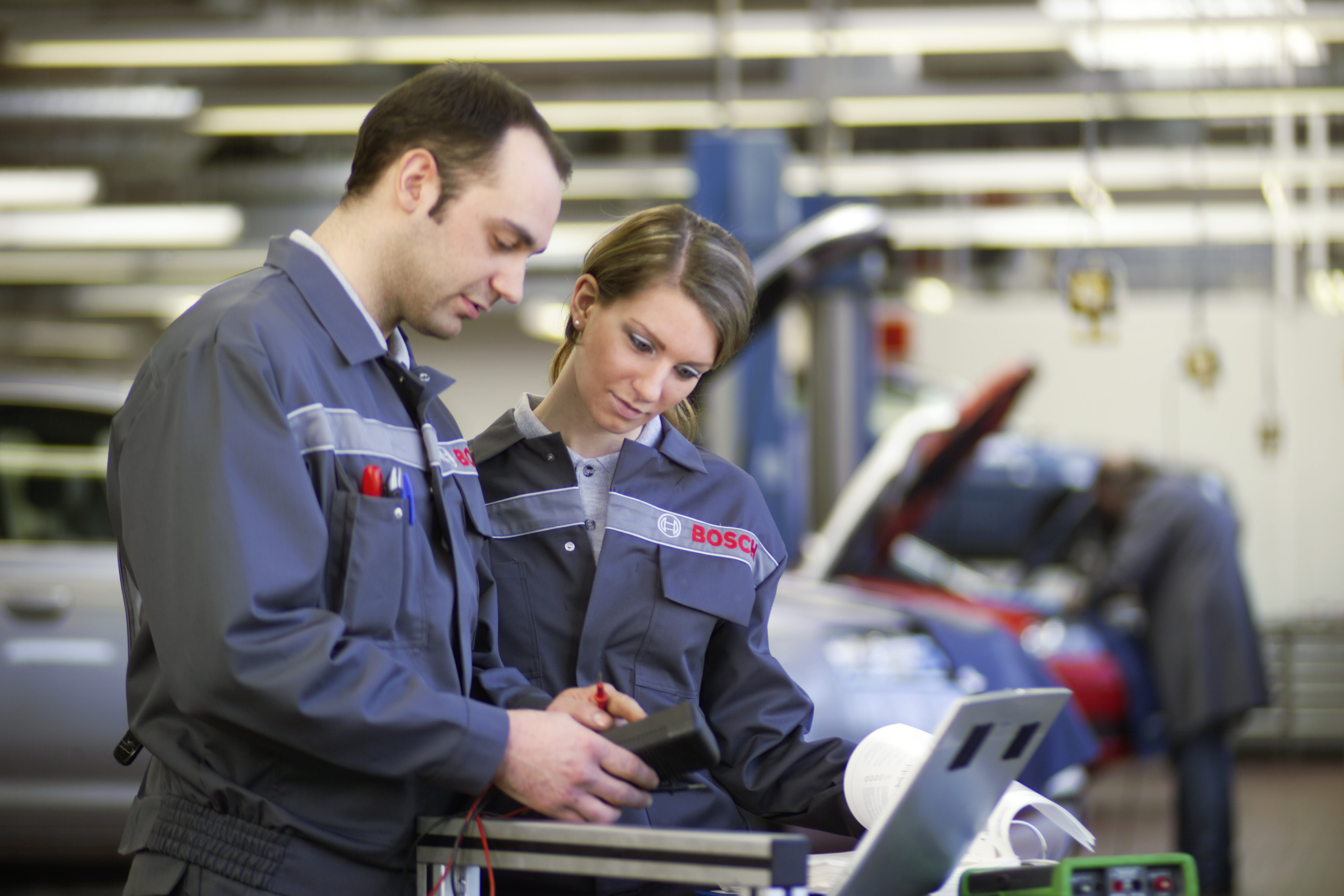 Bosch offers over 100 practice-oriented trainings for workshops
