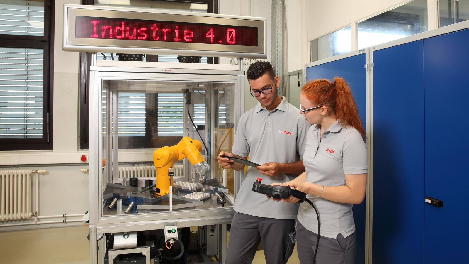 Ausbildung 4.0 – Robotikschulung in Homburg
