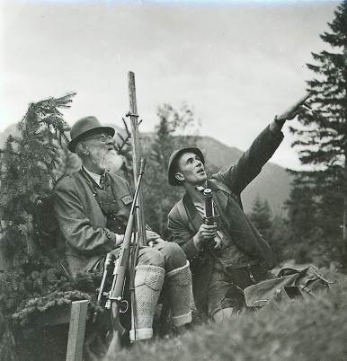 Robert Bosch and his licensed hunter Seraphin Schöll, 1941
