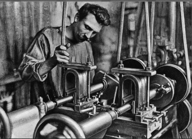 Manufacturing of Magneto ignition devices at the Stuttgart plant, 1906