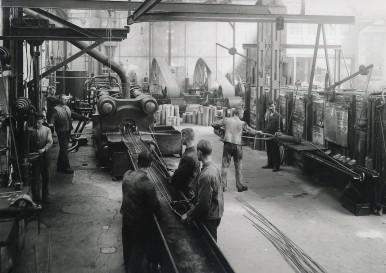 Stangenpresse für Messing und Aluminium im Werk Stuttgart-Feuerbach, 1923 (Produktion)