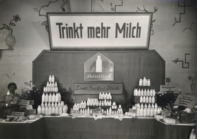 Bosch Farm stall at the agricultural fair in Munich, c.1933