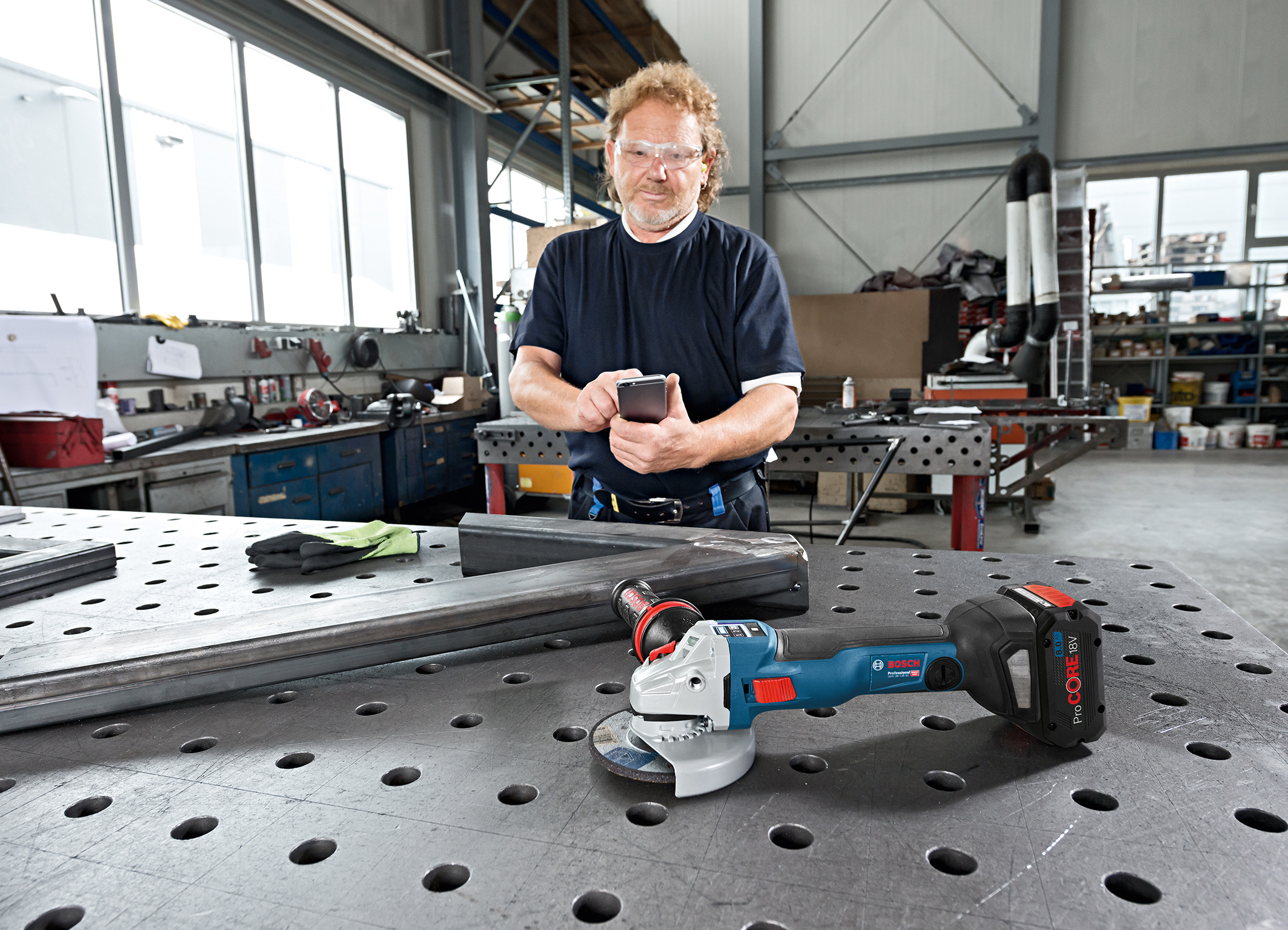 Added value thanks to connected power tools and services from Bosch: Individual configuration and transparency when using the tool