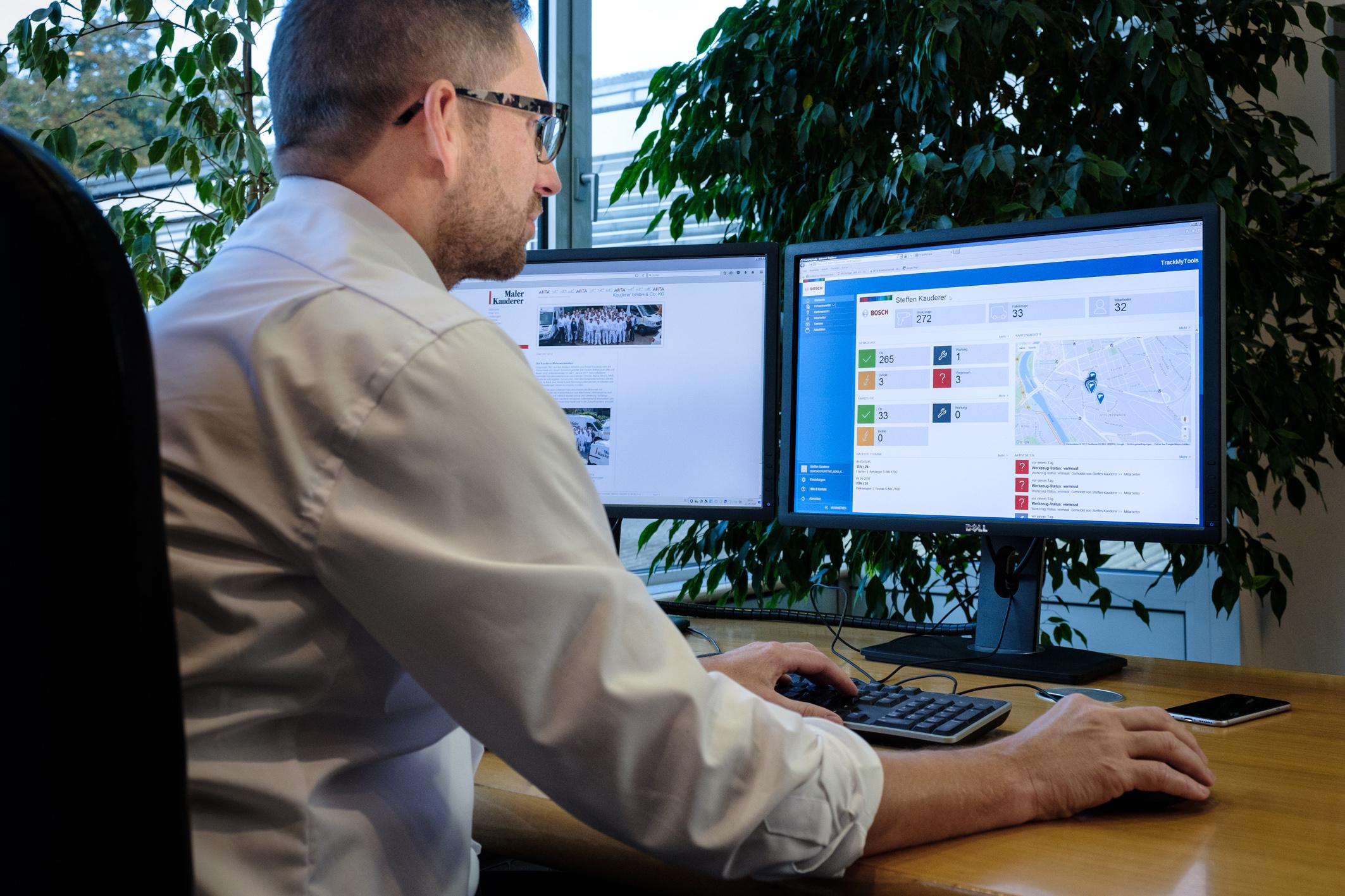 """Vernetzt für die Zukunft: """"TrackMyTools"""" von Bosch macht den Arbeitsalltag im Malerbetrieb Kauderer effizienter"""