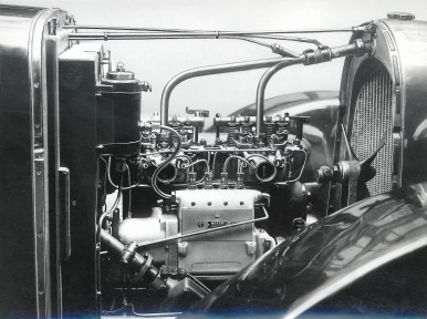Testing the first Bosch diesel injection pump in a car (brand Stoewer), 1927