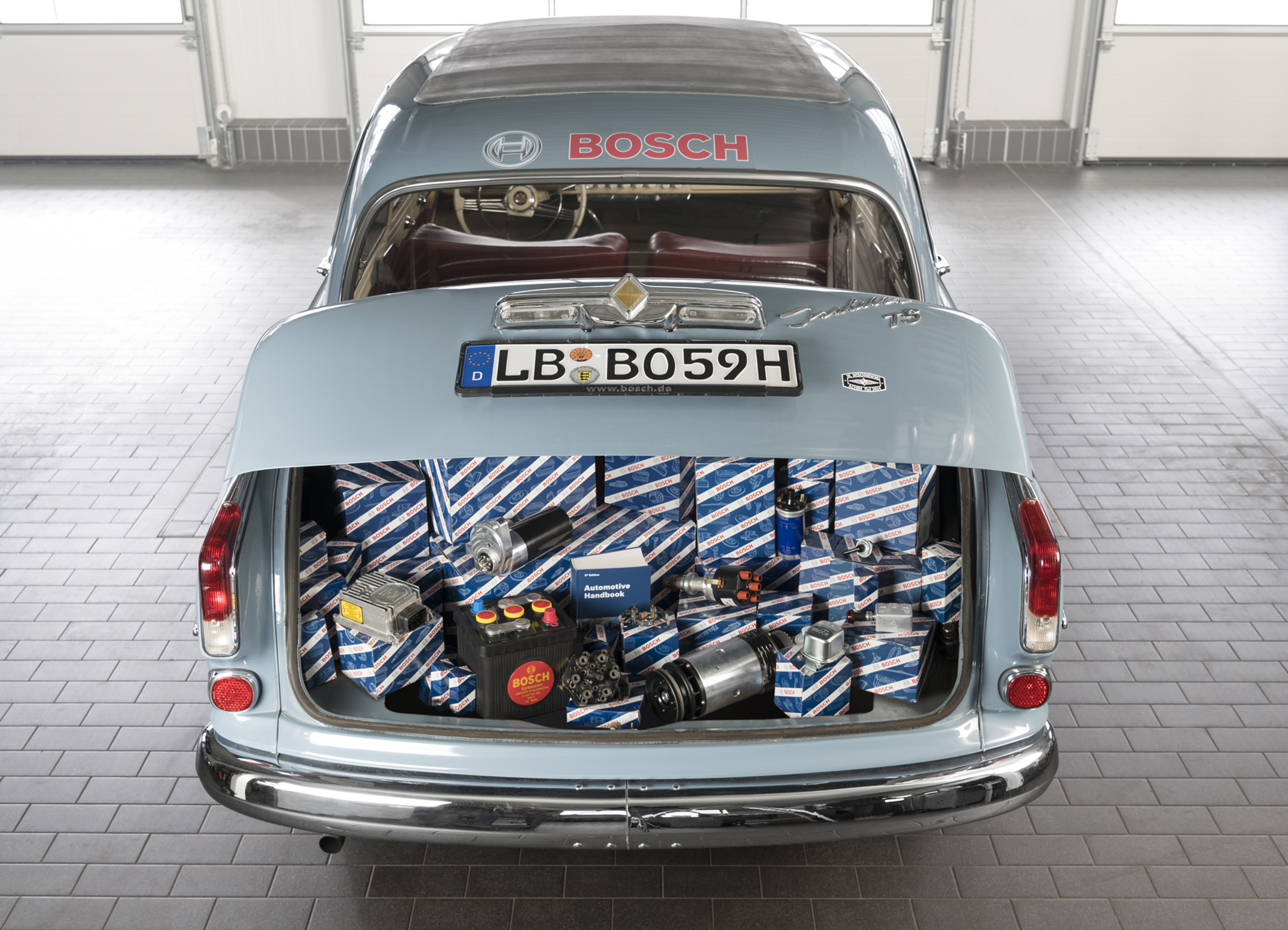 Bosch Classic ensures sustainable spare-parts supply for modern-era classic and classic cars