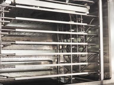 Bosch freeze dryer with tilting shelves
