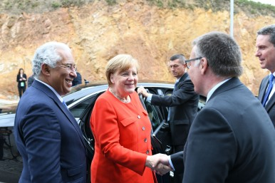 Political VIPs at Bosch: chancellor Merkel and prime minister Costa open technology center in Portugal