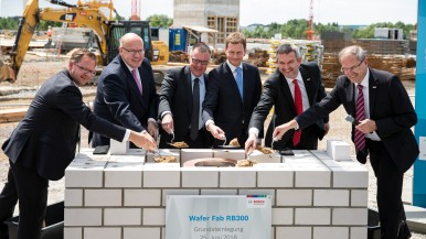 The laying of the foundation stone of the semiconductor fab for automotive technology and the internet of things today in Dresden.