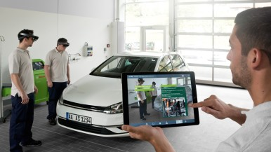 Full view and comprehension for technical service trainings: Bosch trains automotive mechatronics with innovative Augmented Reality technology