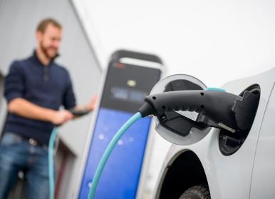 100 percent electric: driving electric vans generates zero local emissions.