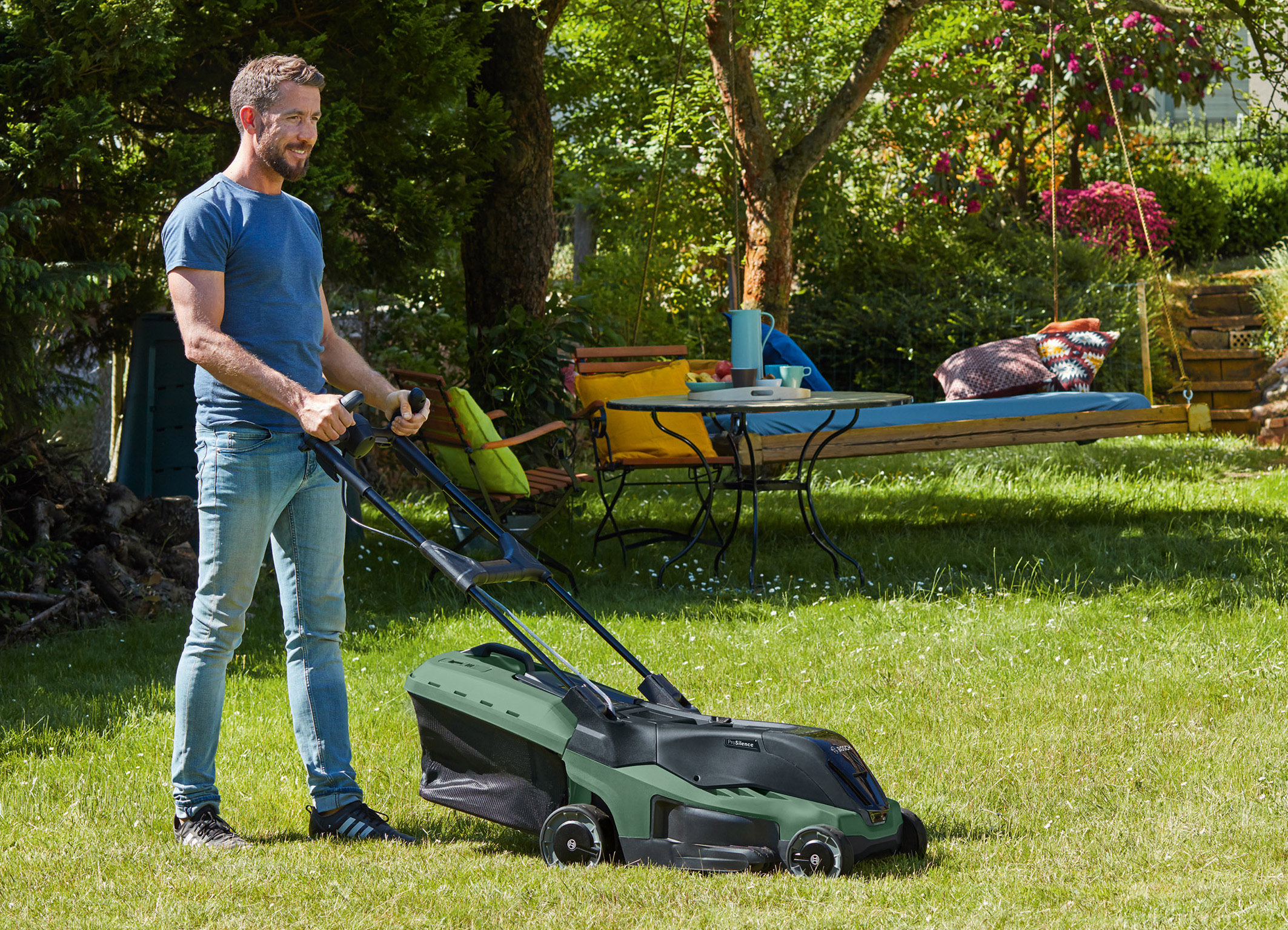 Stress-free lawn care now cordless too: The new ProSilence Rotak series from Bosch