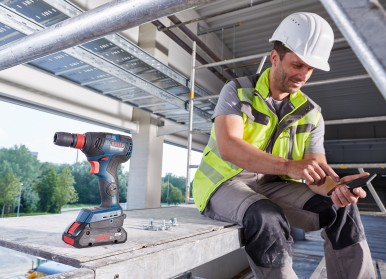 Increased control and added value through connectivity: New cordless impact drivers from Bosch for professionals