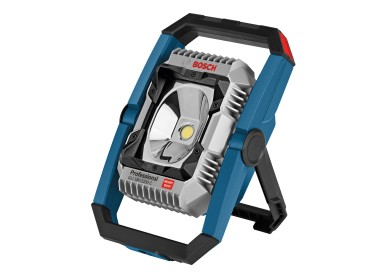 New Bosch Connectivity floodlight for professionals: GLI 18V-2200 C Professional