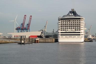 Angedocktes Kreuzfahrtschiff