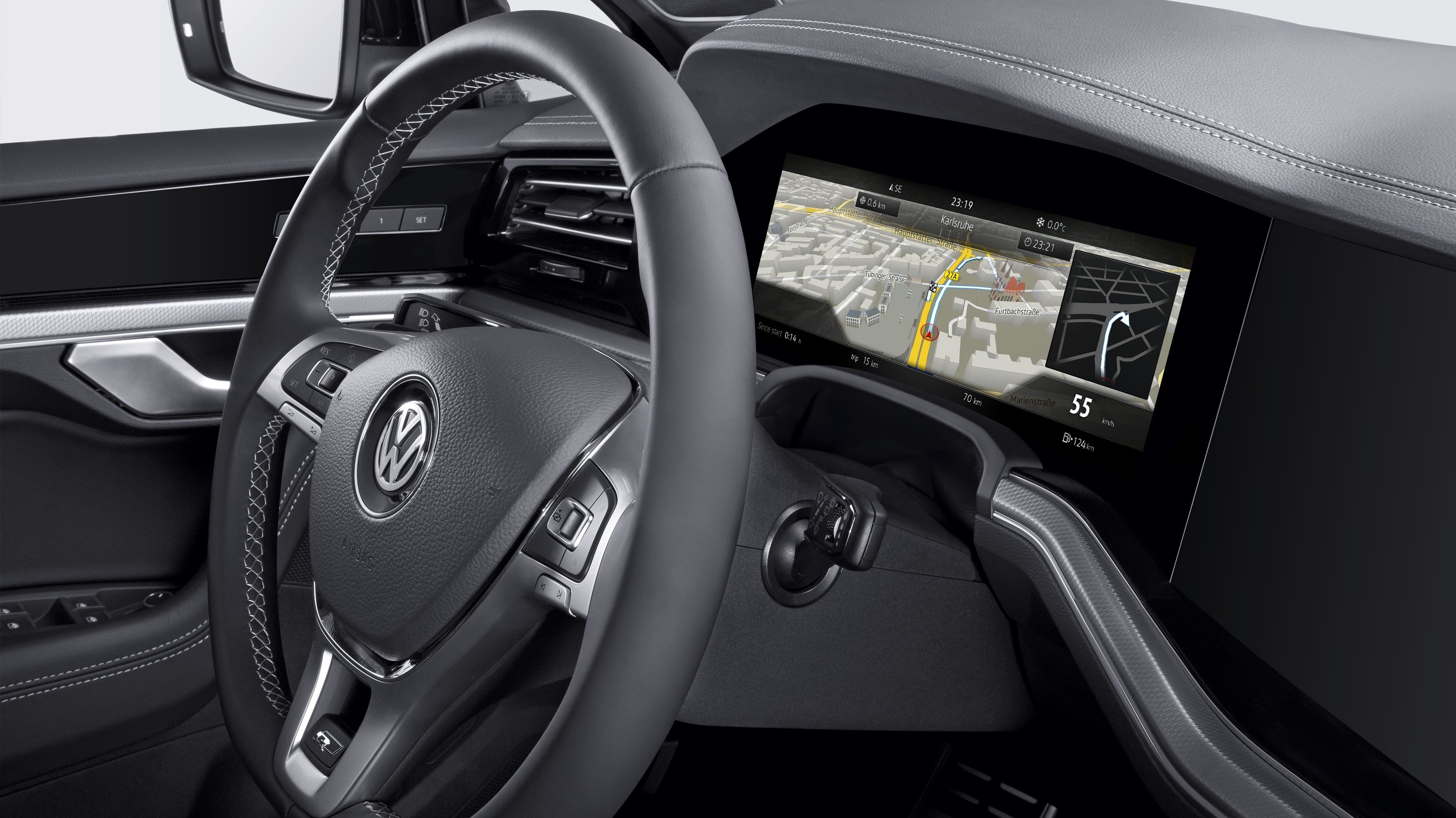 Bosch gets the world's first curved instrument cluster on