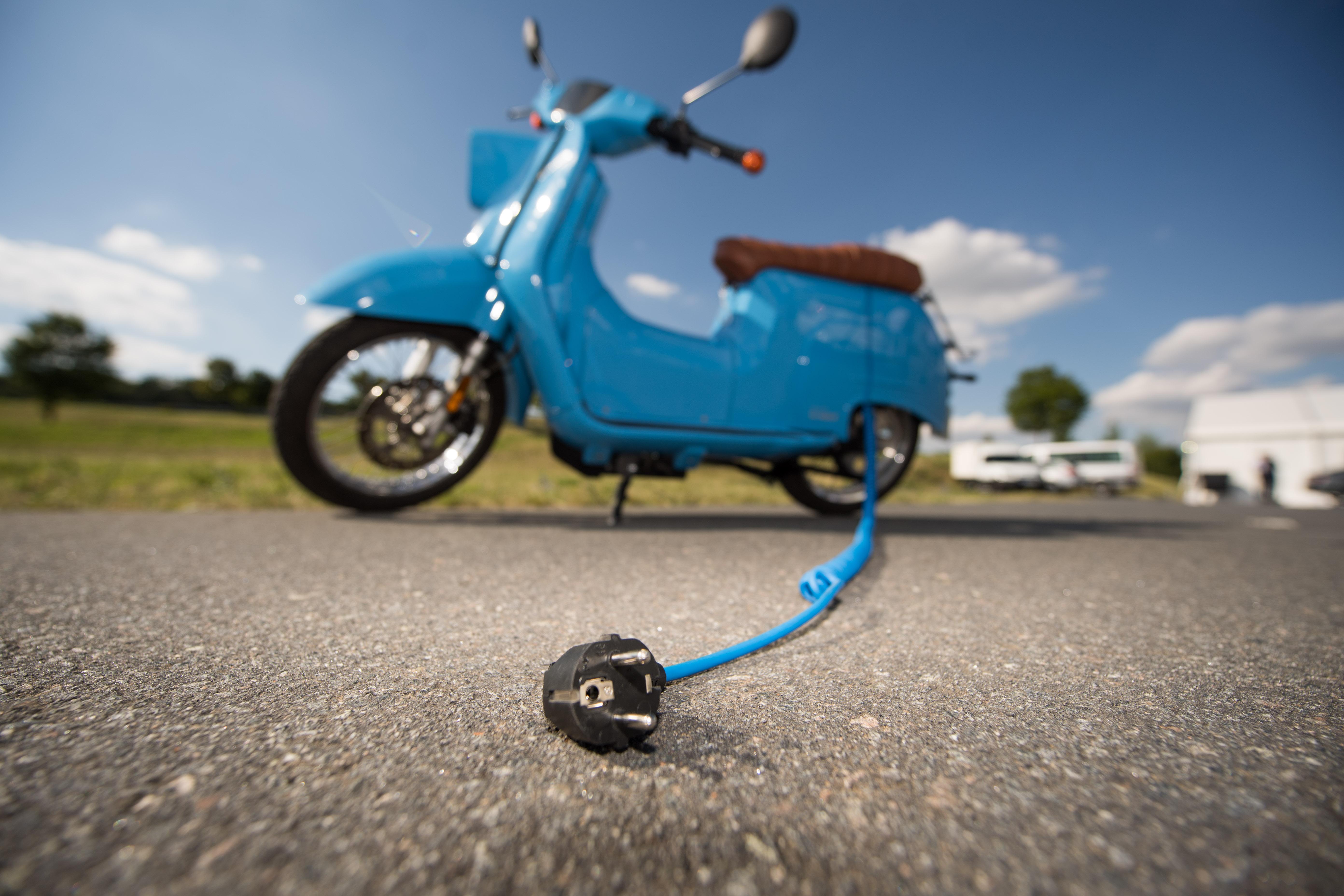 E-Schwalbe mit Antrieb und Batterie von Bosch