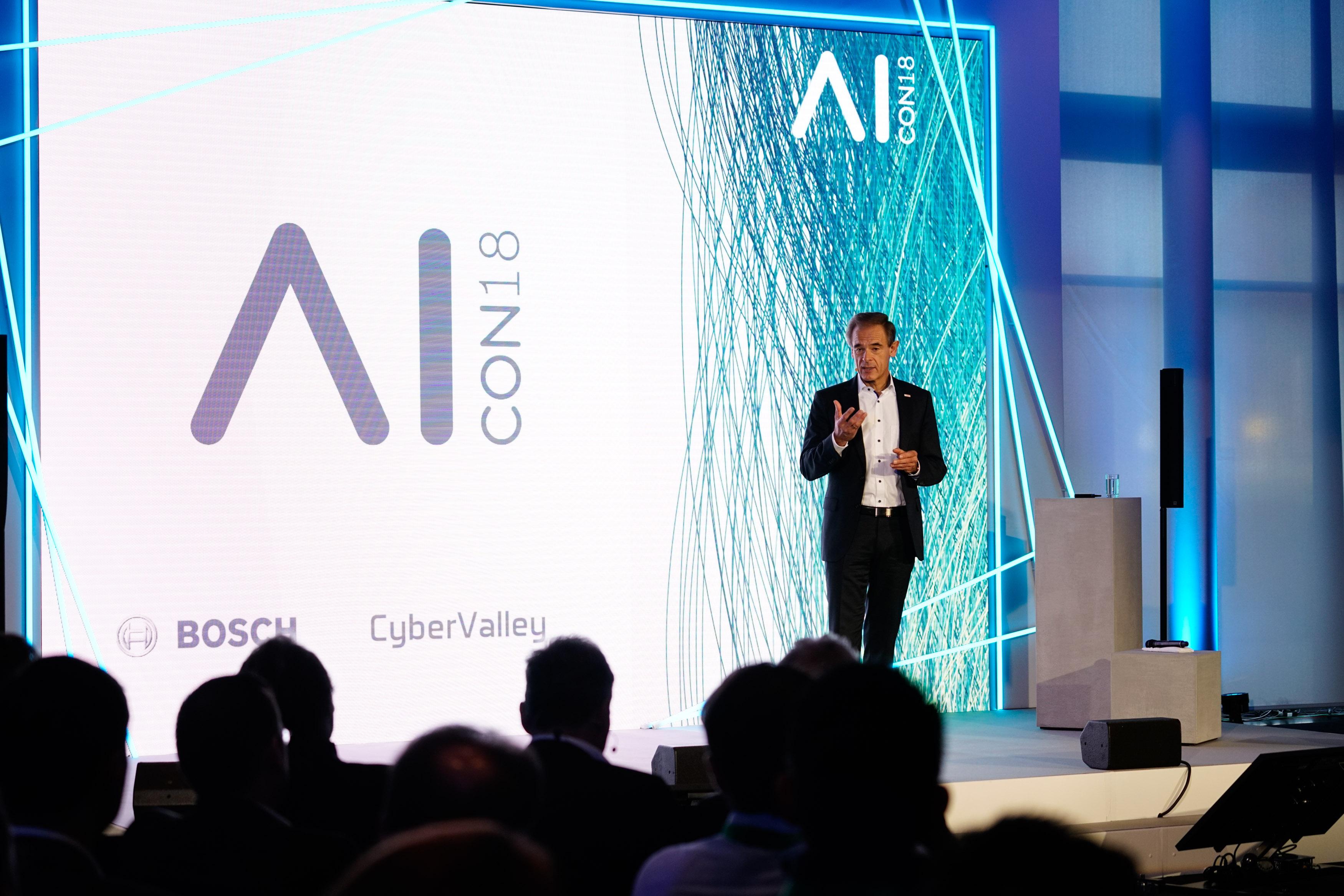 Dr. Volkmar Denner auf der ersten AI CON in Renningen.