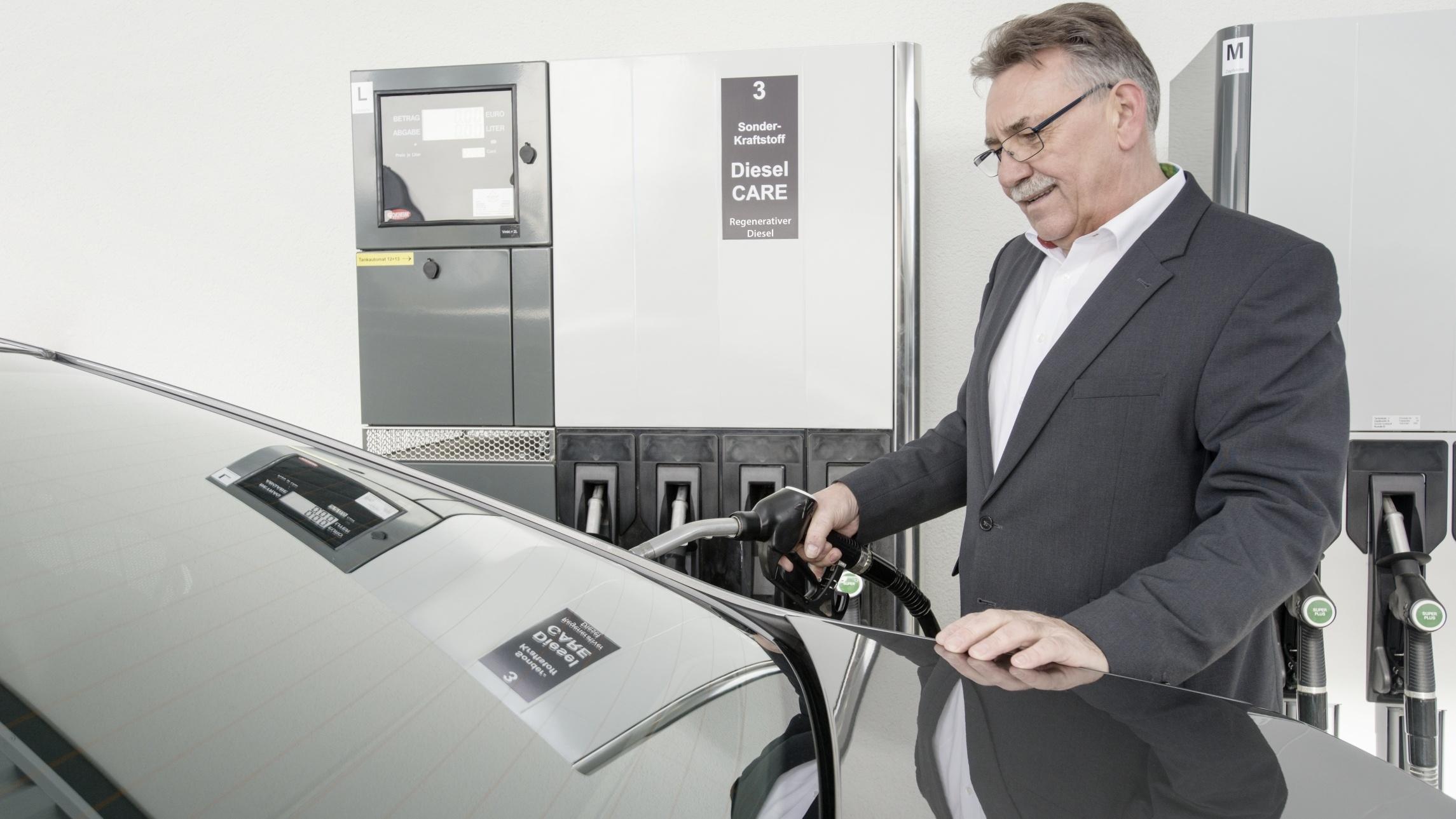 Gemeinsame Bosch-Geschäftsführer fahren mit 100 Prozent regenerativem Diesel @WV_37