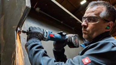 As powerful as a corded tool: New Bosch 18 volt cordless straight grinders for pros