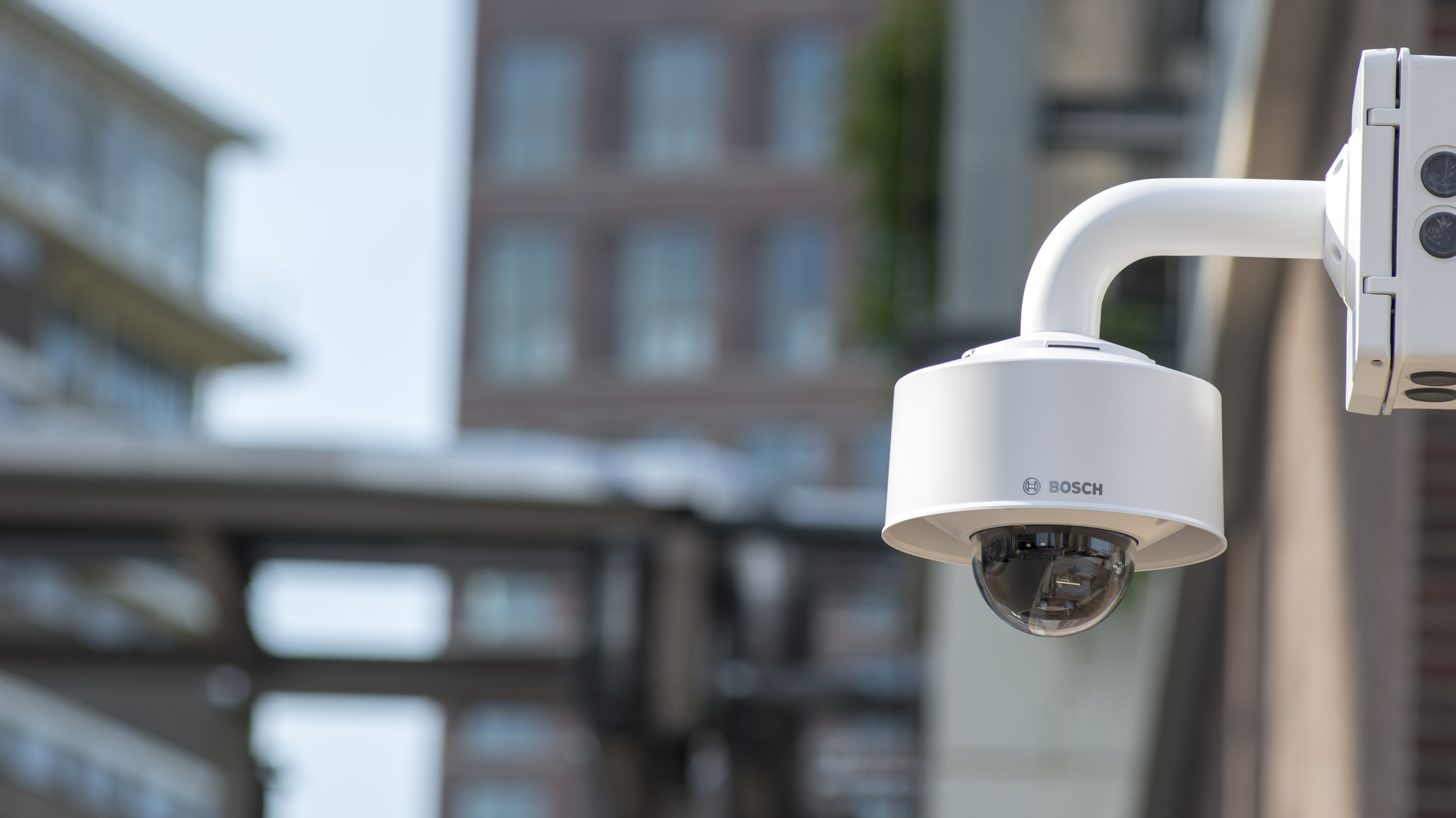 New FLEXIDOME IP starlight 8000i fixed dome cameras from Bosch deliver clear advantages for users and installers