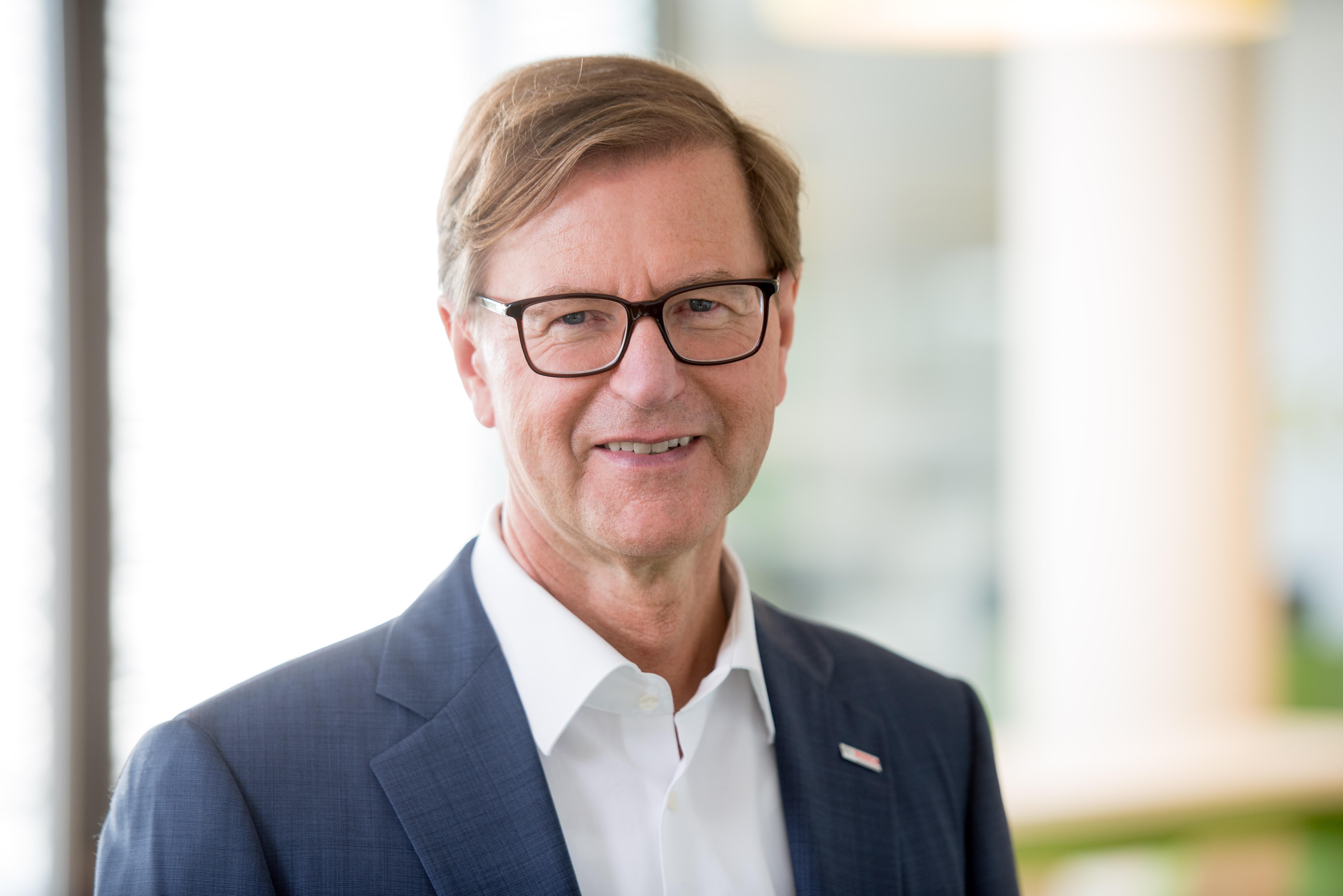 Prof. Dr. rer. pol. Stefan Asenkerschbaumer