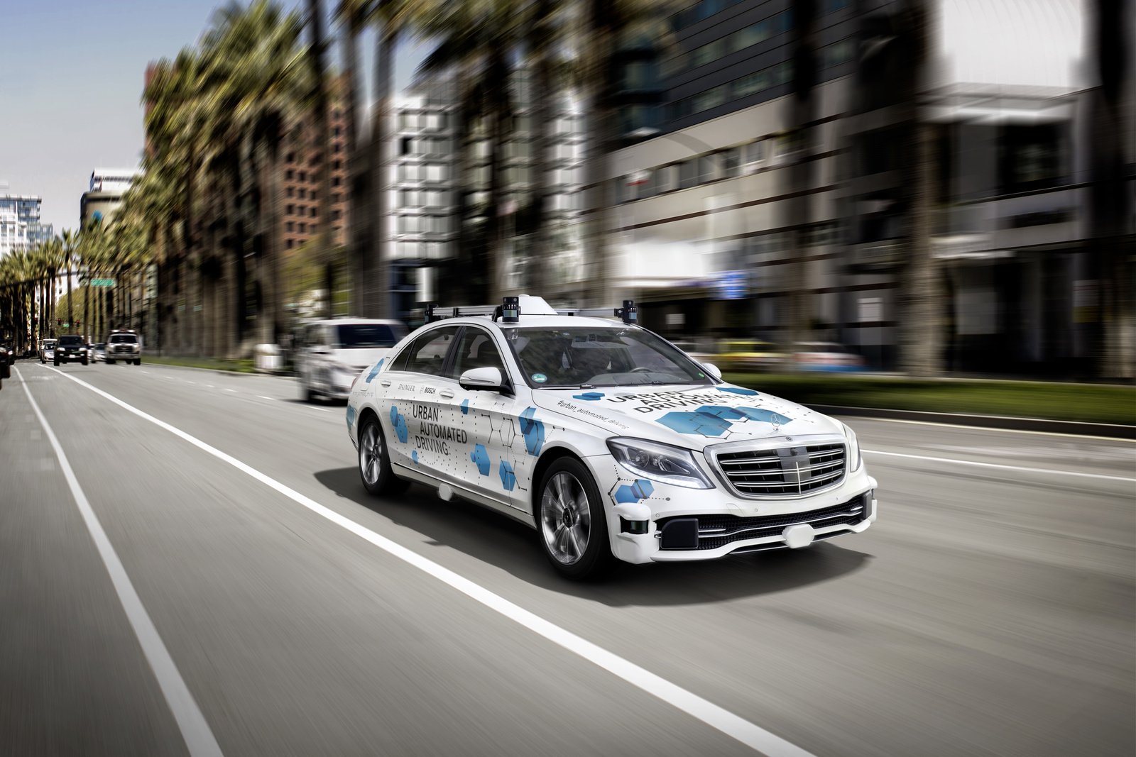 Sustainable mobility: Bosch and Daimler offer automated driving service