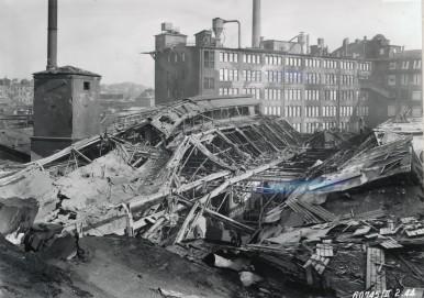 Bosch-Werk Feuerbach: Zerstörtes Metallwerk nach Bombenangriff, 1944