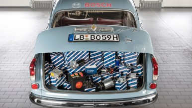 Bosch relaunches headlights for classic cars
