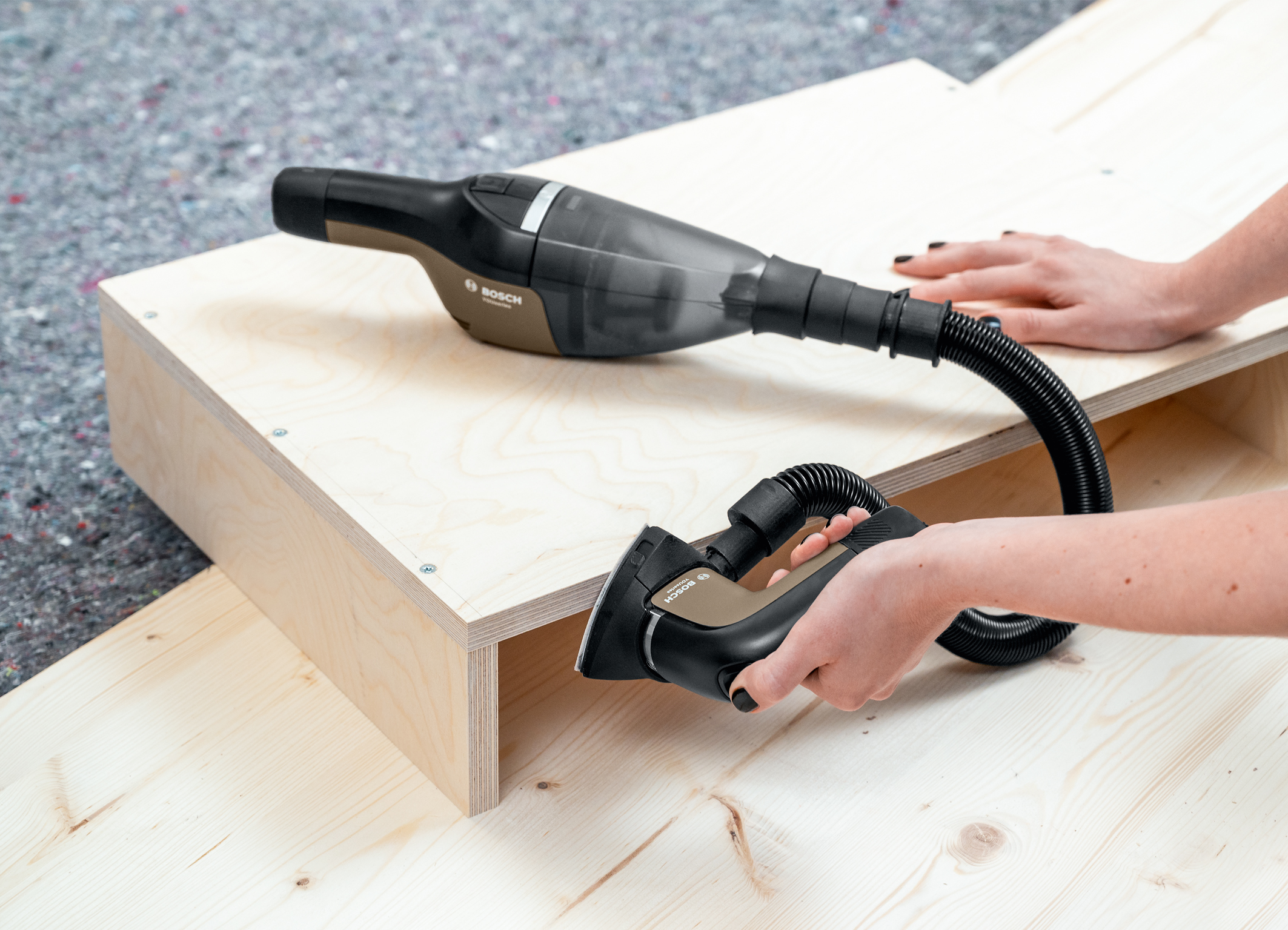 A versatile all-rounder – sanding has never been finer: The cordless multi-sander from the YouSeries