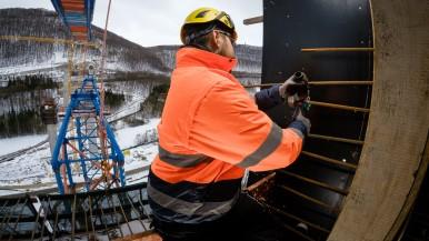 Bewehrungsprobe auf 85 Metern Höhe: Das X-Lock-System von Bosch spart beim Bau der Filstalbrücke kostbare Zeit