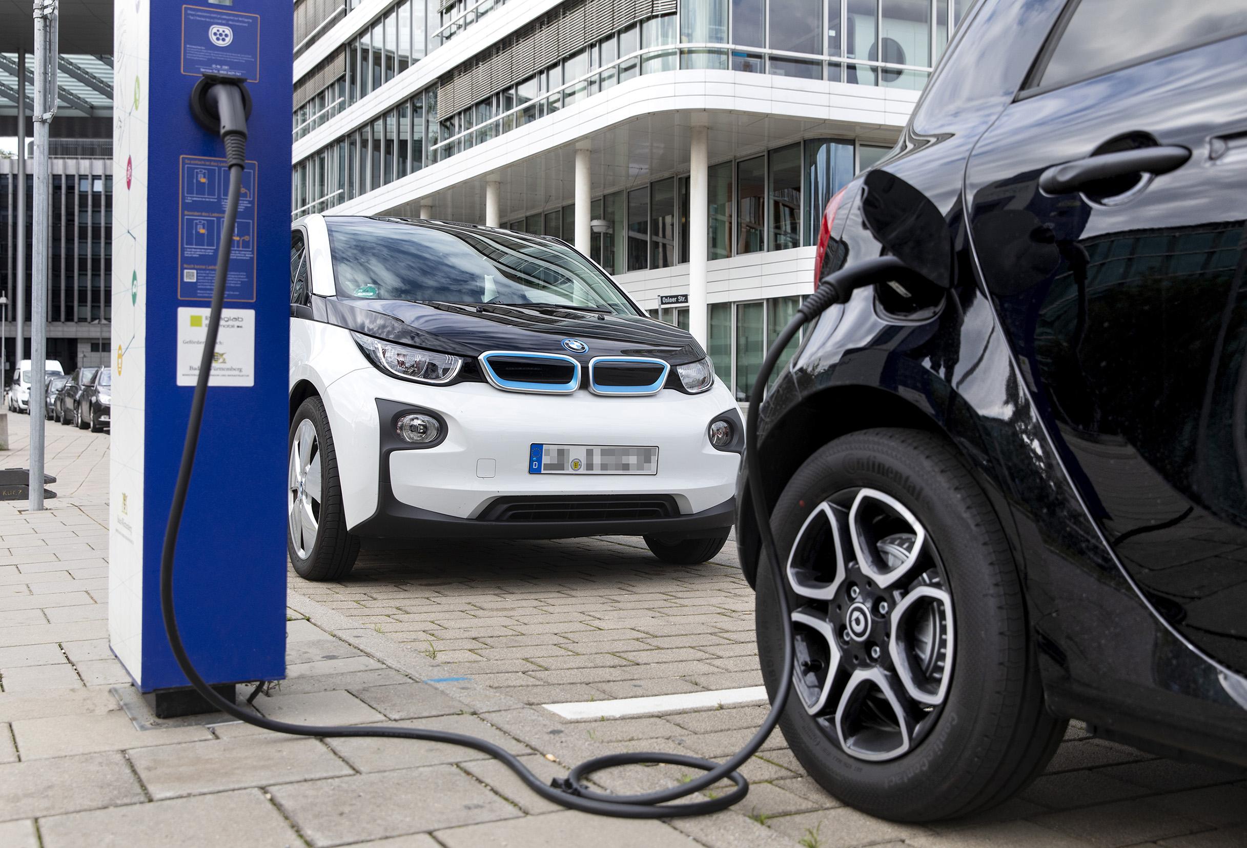 Bosch bringt die Batterien von Elektroautos in die Cloud.