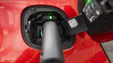 Bosch recharging services: key to more than 150,000 charge spots throughout Europe