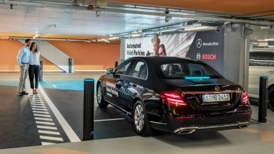 World first: Bosch and Daimler obtain approval for driverless parking without hu ...