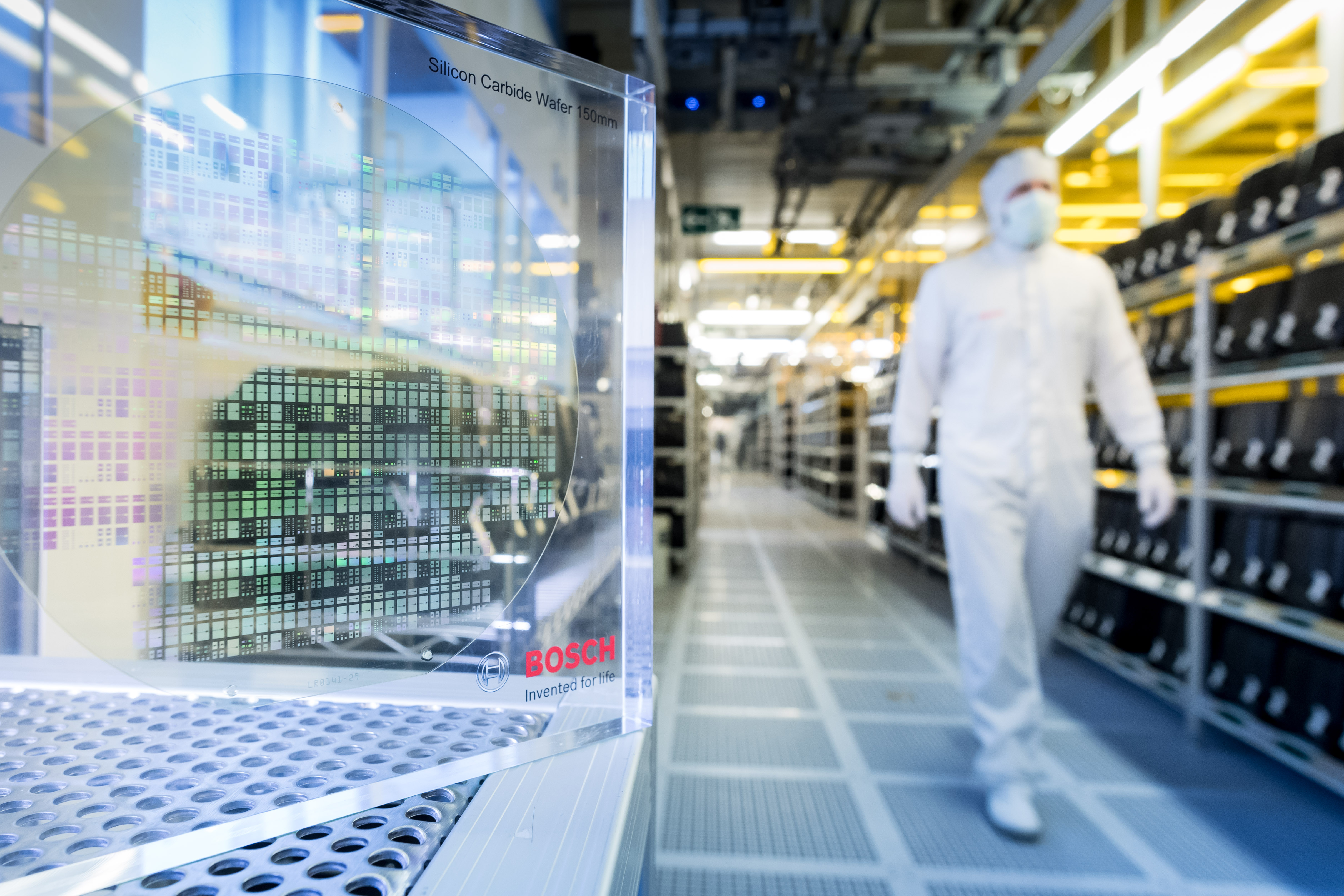 Silicon carbide semiconductors in the Bosch wafer fab in Reutlingen