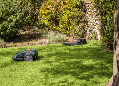 High added value thanks to exact measurement of the lawn area: Bosch robotic lawnmowers Indego M 700 and Indego M+ 700