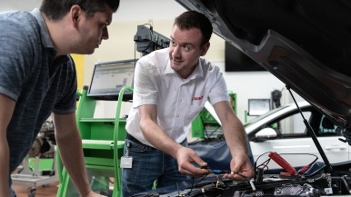 Expanded and updated range of Bosch service trainings for automotive workshops in 2020
