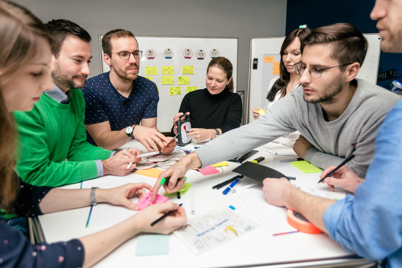 Interdisciplinary customer support teams at Bosch.IO