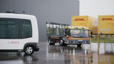 Transport von Personen und Gütern auf Teststrecken erprobt.