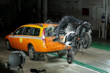 Some 18 crash tests were carried out solely to demonstrate the functionality of Help Connect.