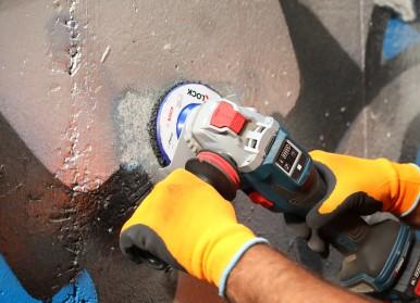 """Oberflächenschonende Reinigung mit der """"Cleaning Disc"""" Harz-Imprägnierung ermöglicht Anwendung auf nahezu allen Materialien"""