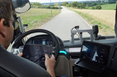 Research project develops attention and activity assistant for automated driving